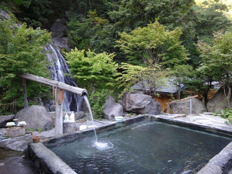 秋のお出かけは、森を歩いて、いで湯に浸かって、癒される!!奥鬼怒温泉トレッキング
