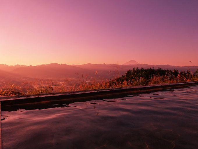 絶景温泉「ほったらかし温泉」で富士山を臨む大パノラマを独り占め!