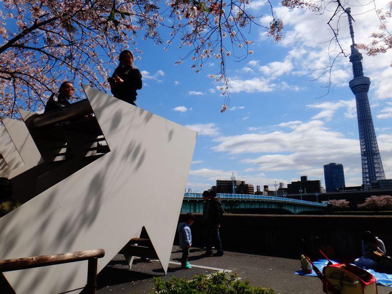 東京スカイツリーのおもしろ撮影スポット♪ カメラ片手に観光アート作品めぐり