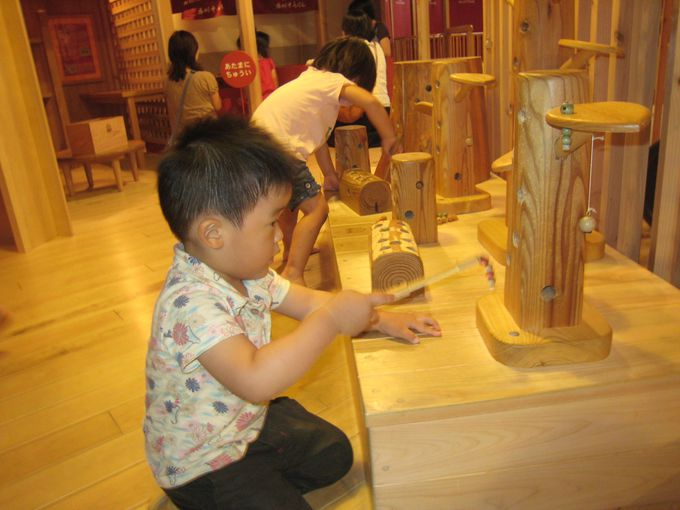 赤ちゃんも楽しめるぬくもりいっぱいの「東京おもちゃ美術館」