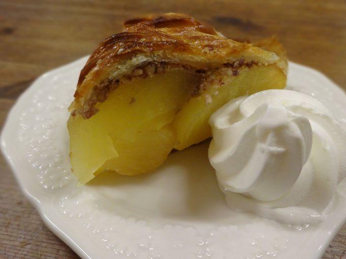大ぶりカットのりんごが詰まった自家製アップルパイ♪