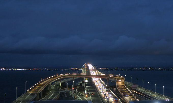 東京湾に浮かぶパーキングエリア「海ほたる」活用術
