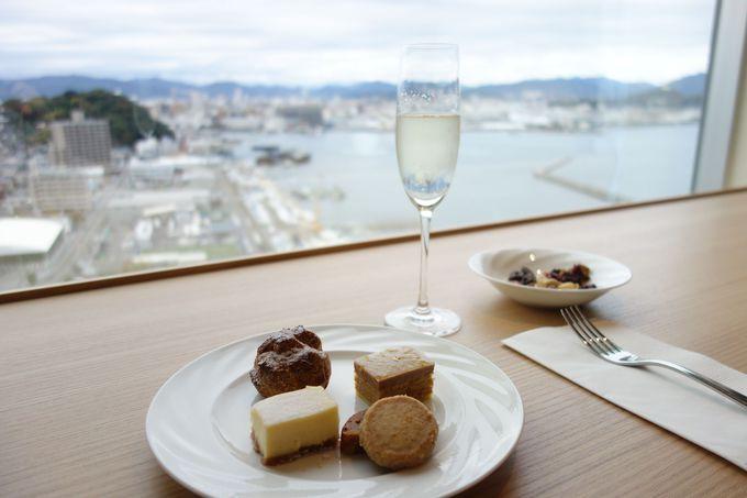 広島ベイエリアを望むクラブフロア専用ラウンジ