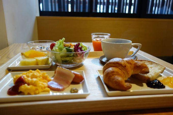 出汁が効いたお野菜たっぷりのおばんざいビュッフェの朝食