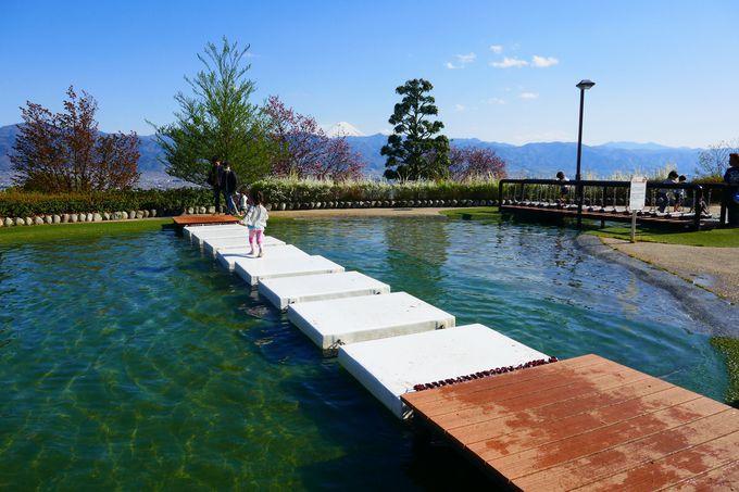 春から秋まではジャブジャブ水遊びが楽しい!!