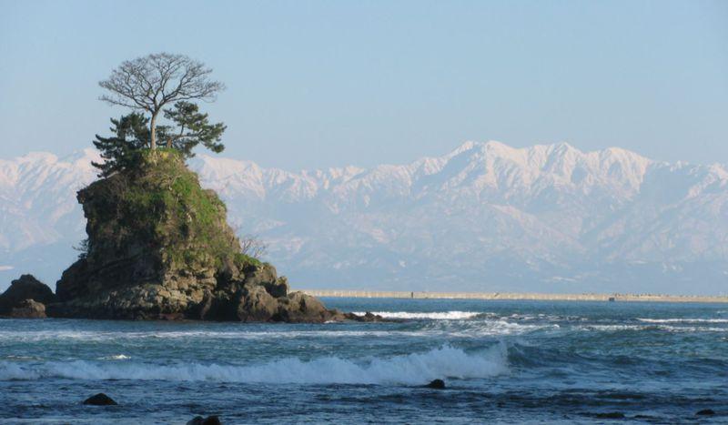 富山県・立山シーサイドライン!海の上に浮かぶ北アルプスを見に行こう!!