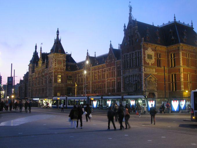 2.アムステルダム中央駅