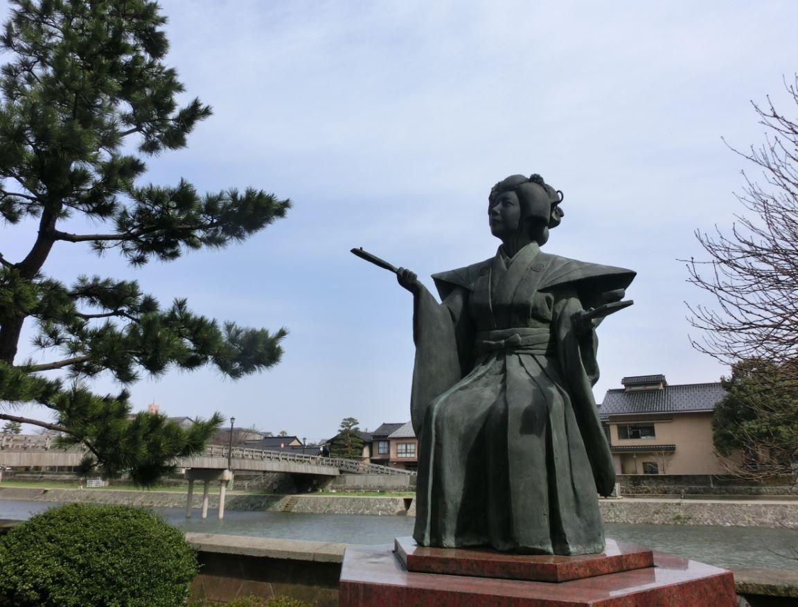 悲恋「滝の白糸」鏡花の道