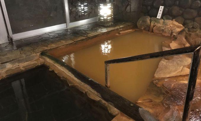内湯は立ち寄り湯も可能!風呂上りにはぜひ「真田の銘水」を!