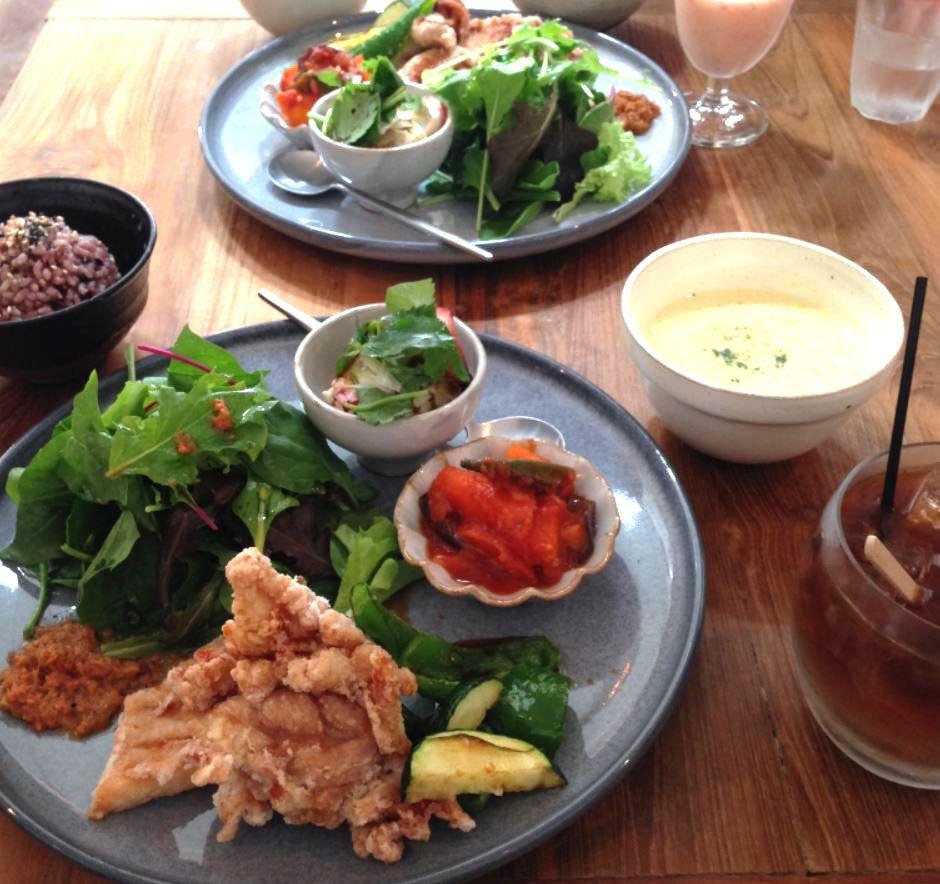 島料理のオーガニックレストラン「カホン(cajon)」