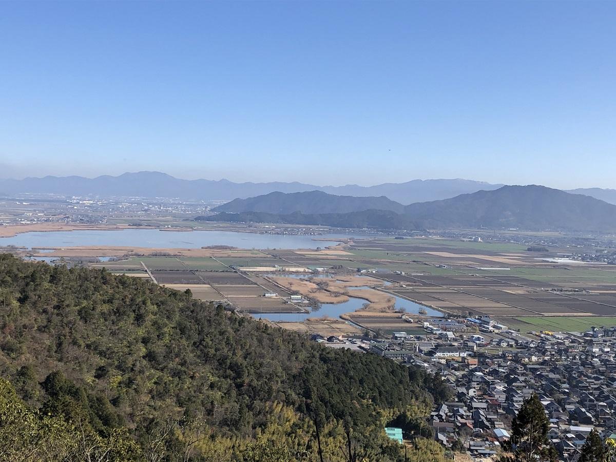 琵琶湖と安土山遠望