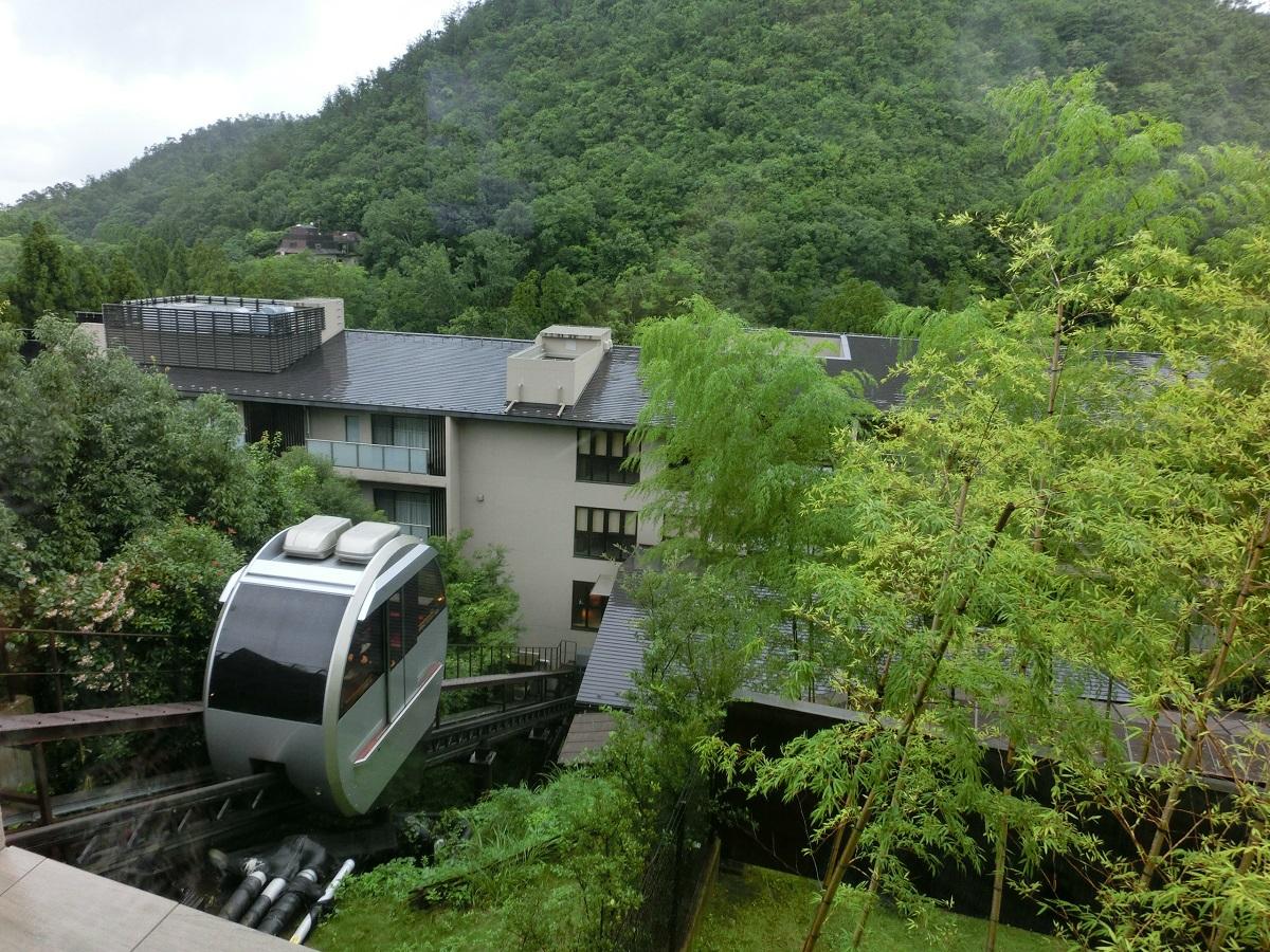 「ホテルハーヴェスト京都鷹峰」と「染色工芸館」