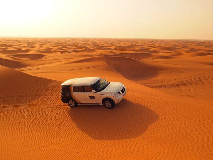5.砂漠を四駆で駆け抜ける(アラブ首長国連邦)