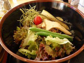小豆島のご当地グルメ「ひしお丼」と「オリーブそうめん」をいただこう♪