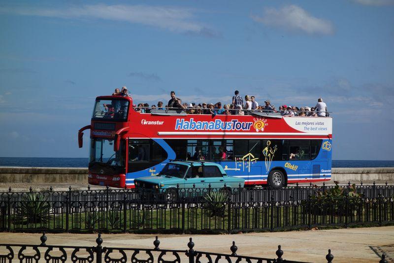 注目度急上昇のキューバ・ハバナをクールな乗り物で周ろう!