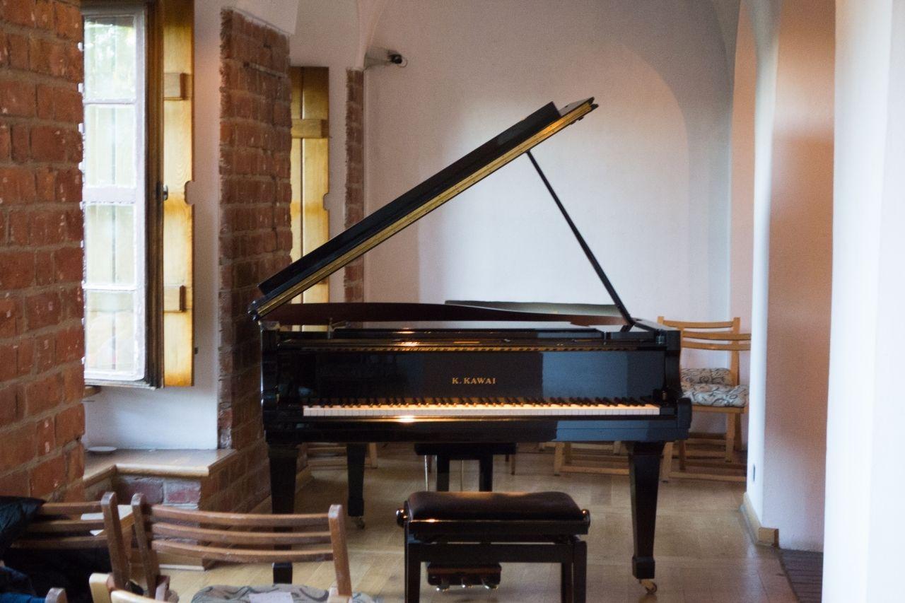 旧市街のサロン風コンサート「Time for Chopin」