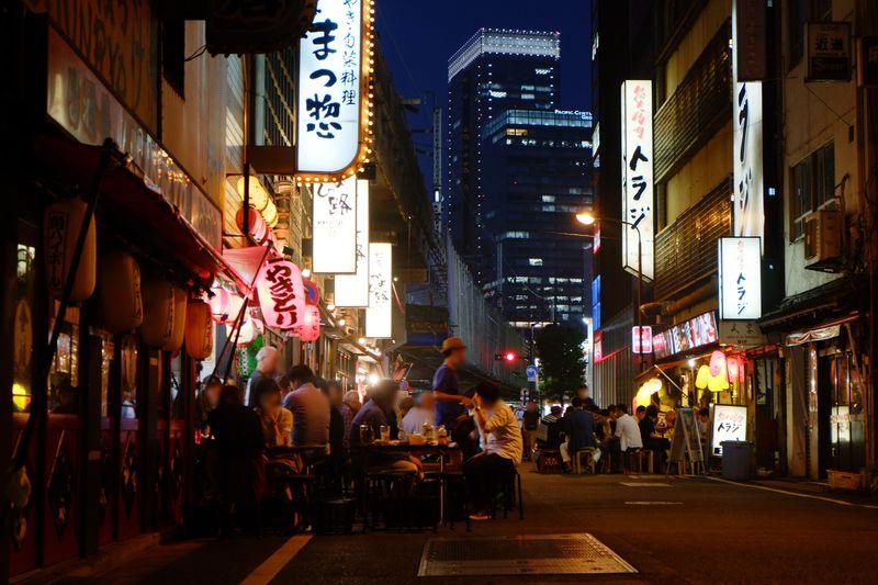 東京・有楽町のガード下居酒屋で味わう!!酔いどれグルメ旅