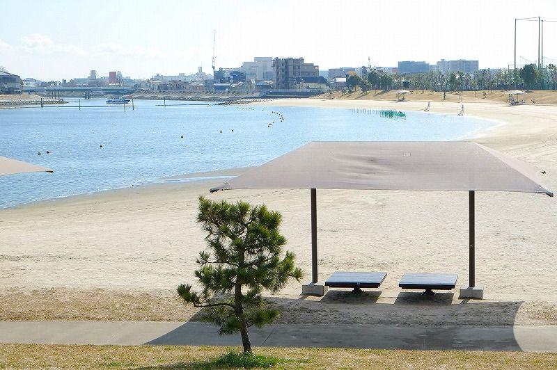 ベンチで寝そべり リフレッシュ!! 大森ふるさとの浜辺公園