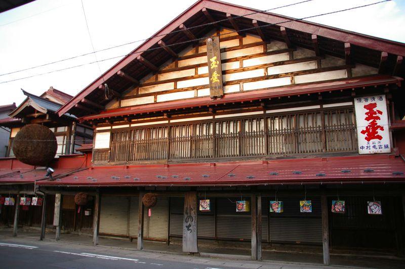 こみせ通りでB級グルメ「黒石つゆ焼きそば」を食す——青森県黒石市