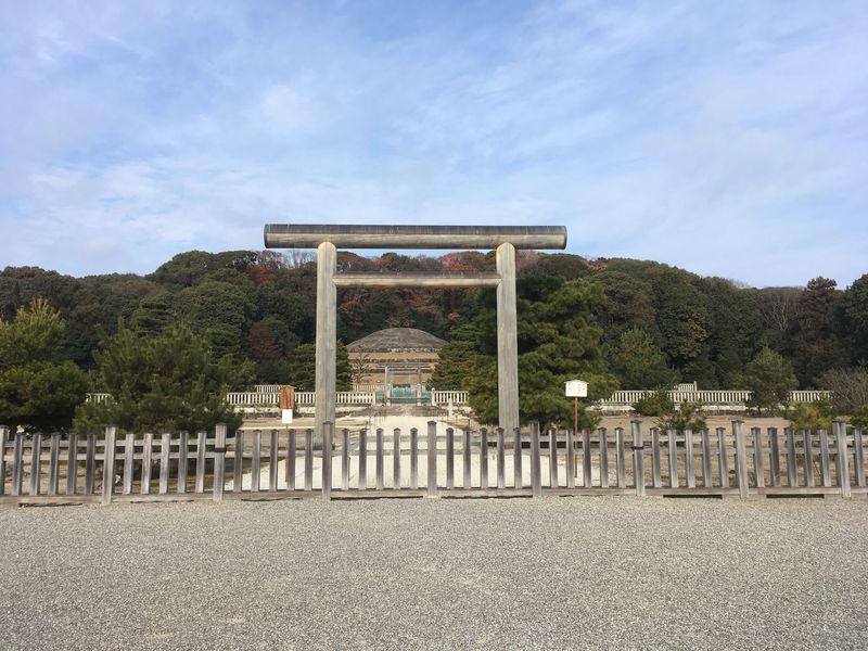 静かな京都を歩きたい!心が洗われる穴場的名所「伏見桃山陵」