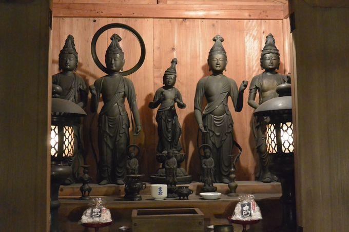 蔵の見どころは富士山下山仏の薬師如来像