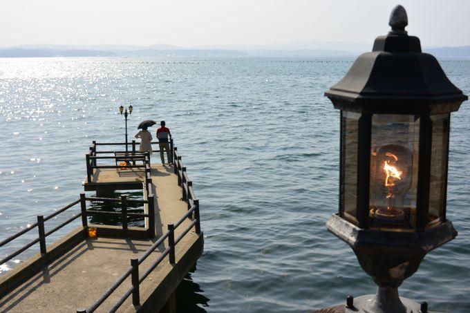 波静かな七尾湾に面した宿にはプライベートの桟橋がある