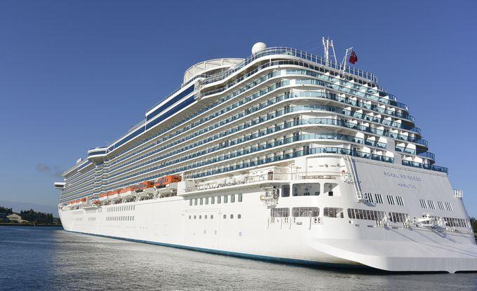 圧倒的なスケールと最新の設備を誇る「ロイヤル・クラス」の客船