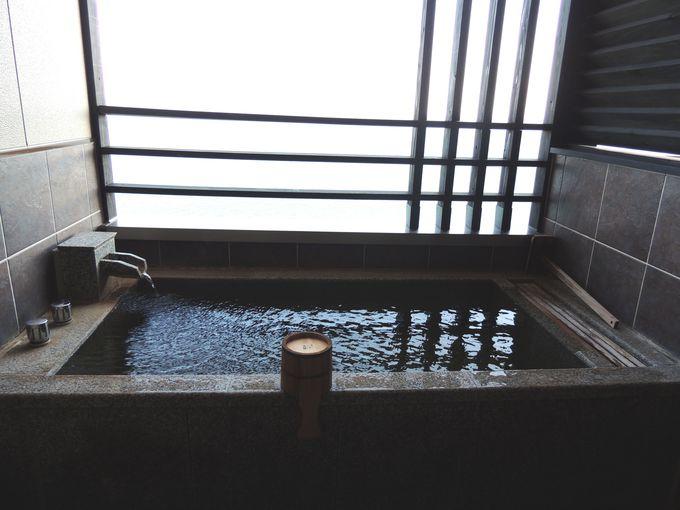 客室の露天風呂もオーシャンビュー&源泉掛け流し