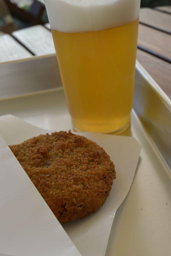 小腹が空いたら坊っちゃん広場で、じゃこカツ&地ビール