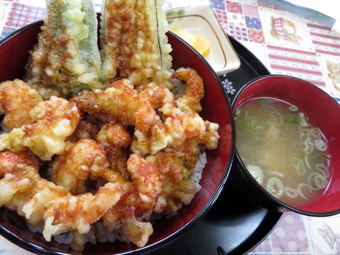 湖畔の食堂「海平」でレイクロブスターの塩茹でと天丼を味わう!