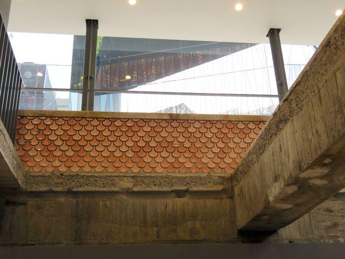 aiboと遊べて、ユニークなショップもある地下1階フロア