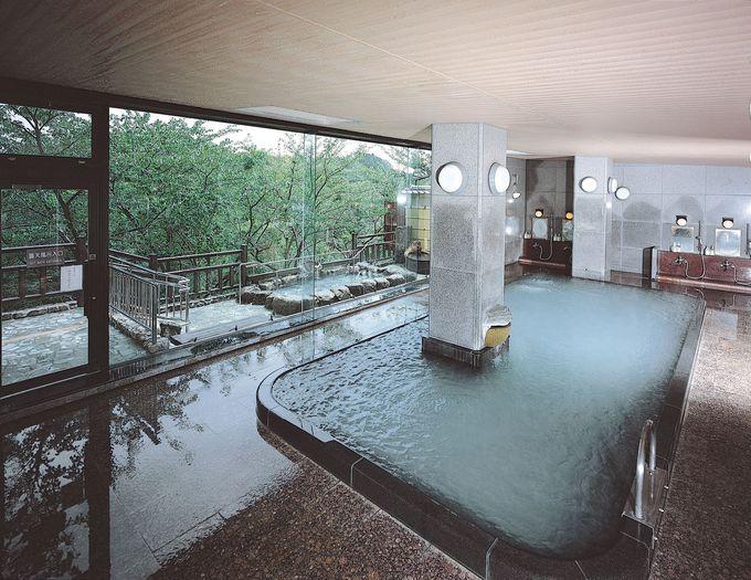 信貴山唯一の温泉! 開放感あふれる露天風呂でまったりしよう