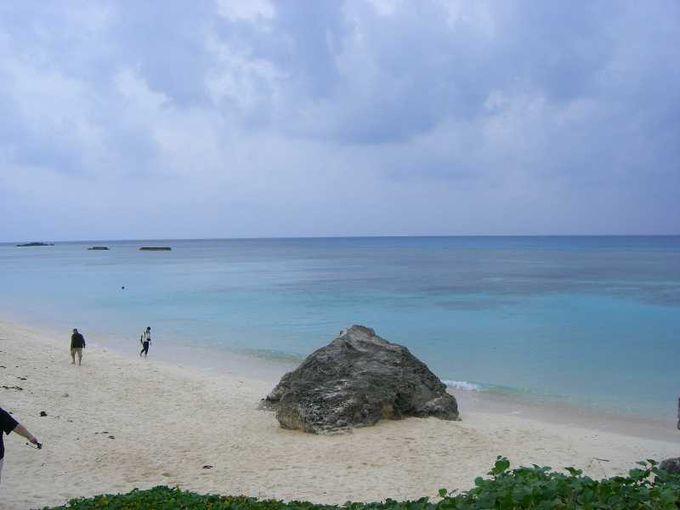 目の覚めるような美しいビーチ