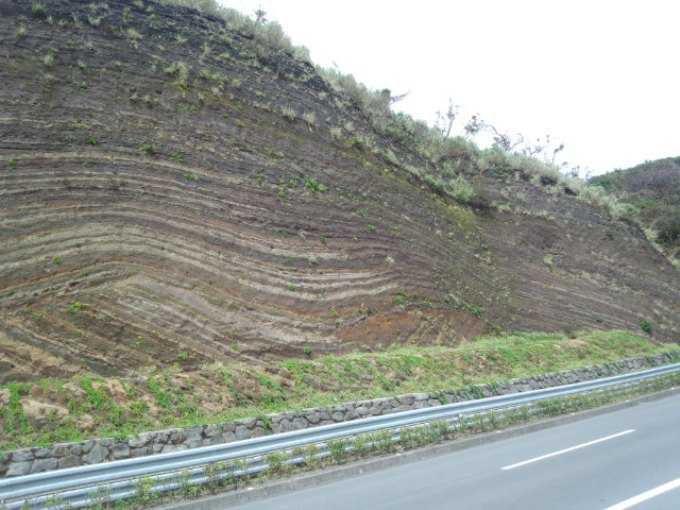 自然が作り出した大きなバームクーヘン