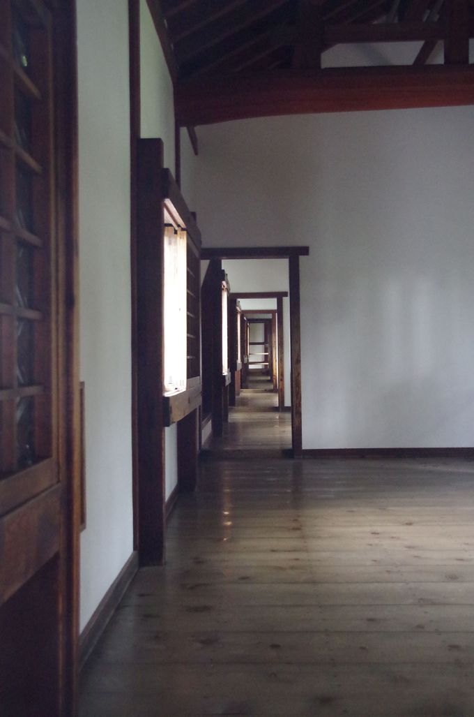 百軒廊下は女の城