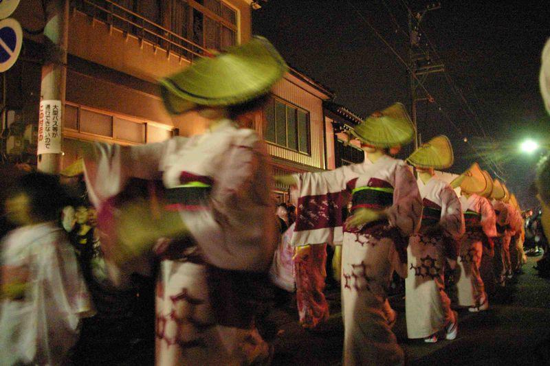 「おわら風の盆」越中八尾に伝わる民謡行事 一度見て聴けば虜になる日本の祭り
