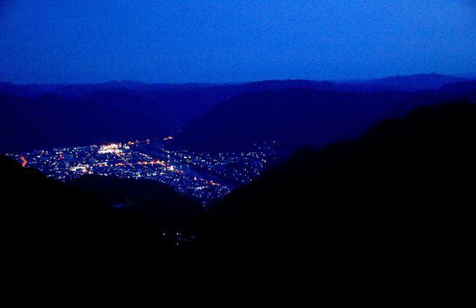 夜景も美しい!備中松山城下に灯る明かり
