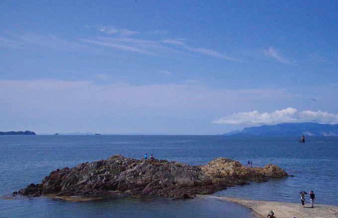 「たたみ岩」から見る夕日、BGMは波の音