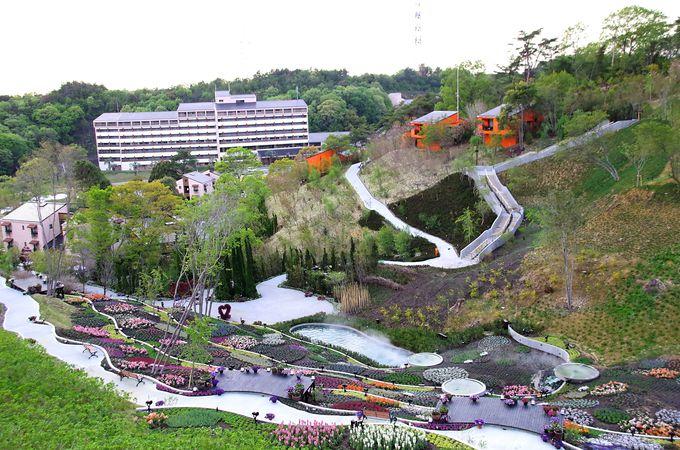 ネスタリゾート神戸のホテル「ホテル ザ・パヴォーネ」のコテージで花畑付き別邸気分を