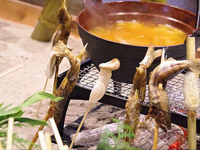ネスタリゾート神戸「延羽の湯」で温泉&囲炉裏料理、昔懐かし和の風情の中でリラックス