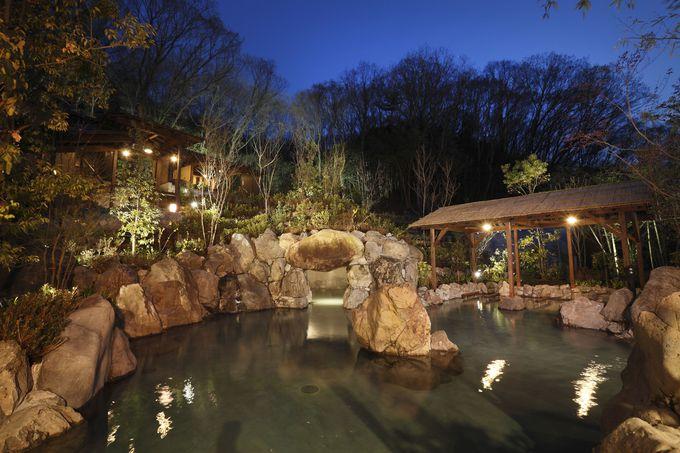「延羽の湯 野天 閑雅山荘」自慢の野天岩風呂