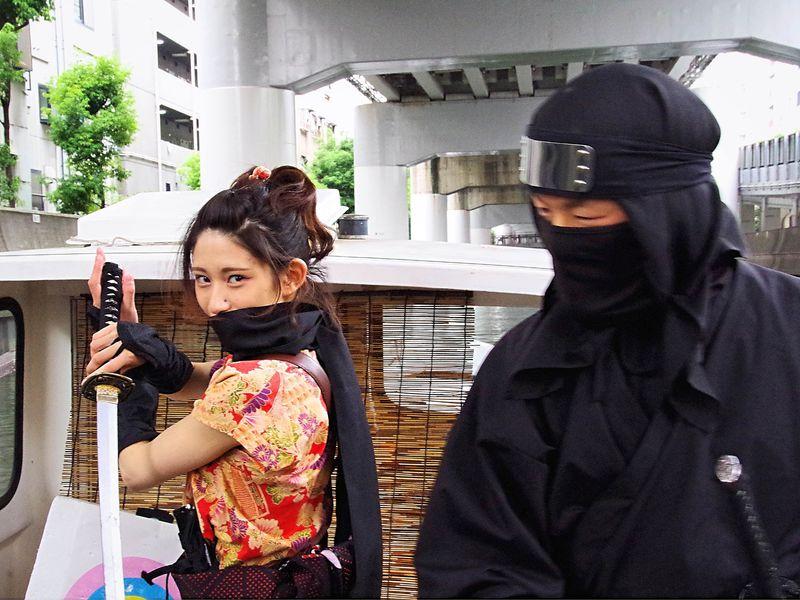 「忍者船 Ninja Cruise」に乗って忍者姿で大阪・道頓堀を体験観光!