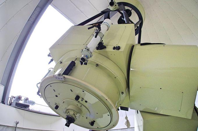 天体ファンにオススメ、最上階に口径90センチの反射望遠鏡