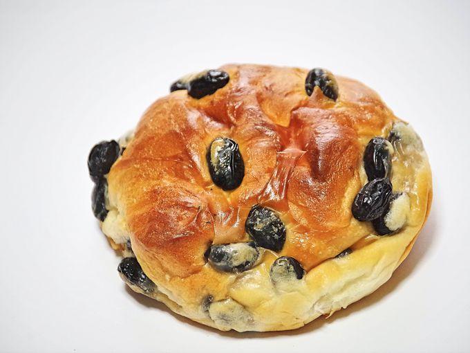 ガチャめしだけじゃない西紀SA下り線のイチオシ人気商品「黒豆パン」