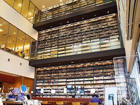 「高梁市図書館」が備中松山城と城下町観光を楽しくする!