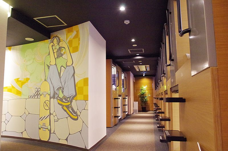 「OYOカプセル姫路駅前」館内ミューラルアートに注目!