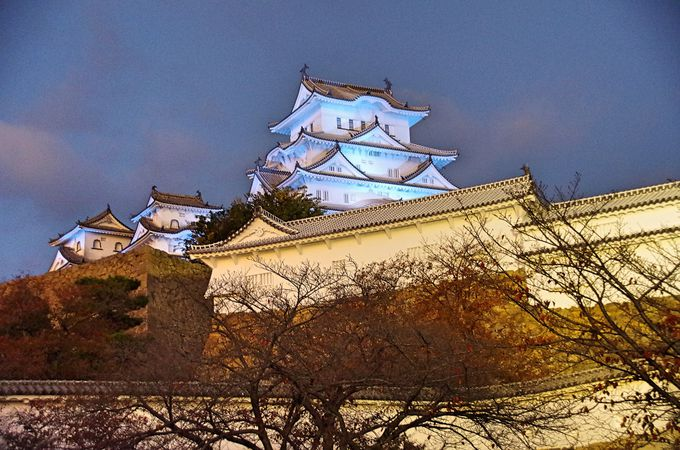 姫路城、世界文化遺産登録25周年記念して光の祝祭