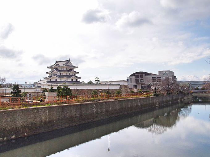 当時の外観を忠実に再建した「尼崎城」