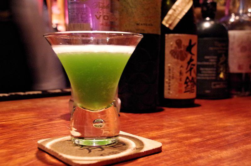 彦根観光の夜は石田三成カクテルを「サロンバー・シスル」