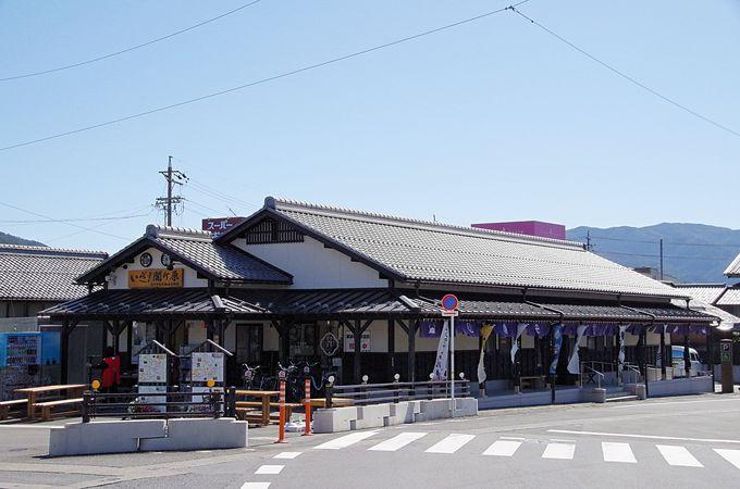 関ケ原に着いたら「関ケ原駅前観光交流館」へ